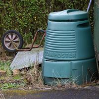 outdoor composting bin